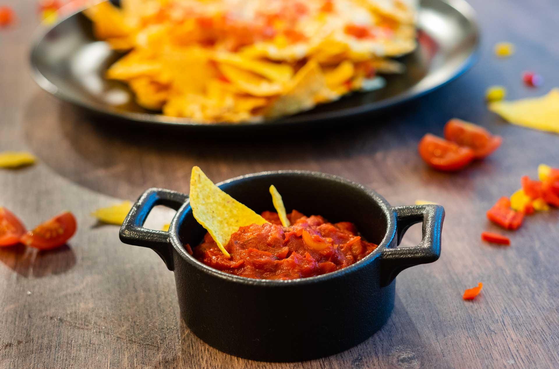 Salsa Sauce mit Nachos